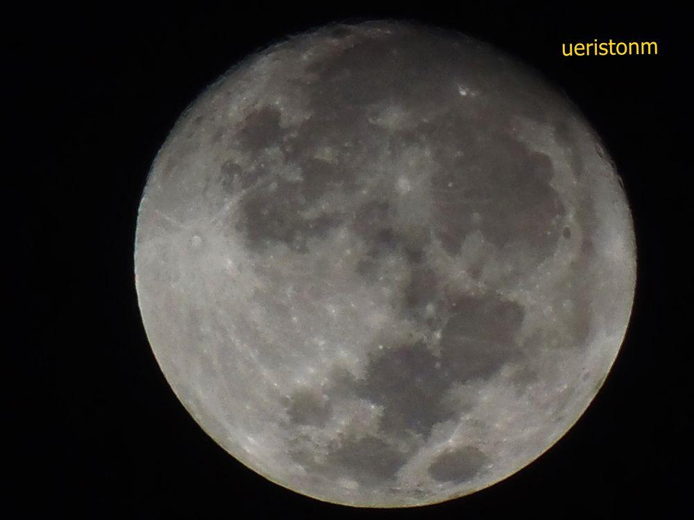 lua by Ueriston Machado