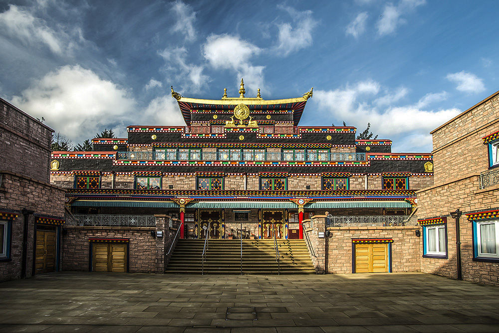 Buddhist Temple by hasky
