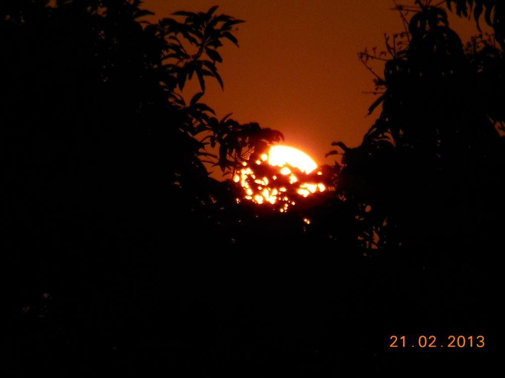 sunset by Shreetam Banerjee
