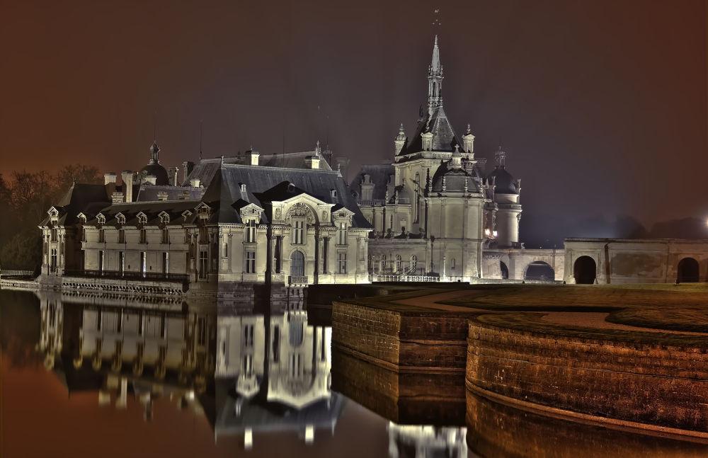 Chateau chantilly by Night - France by Shivas Sivakumar