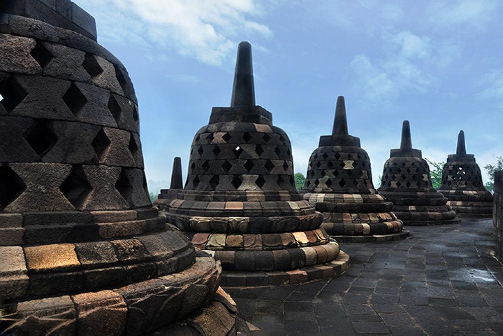 Borobudur Temple by hariyanto