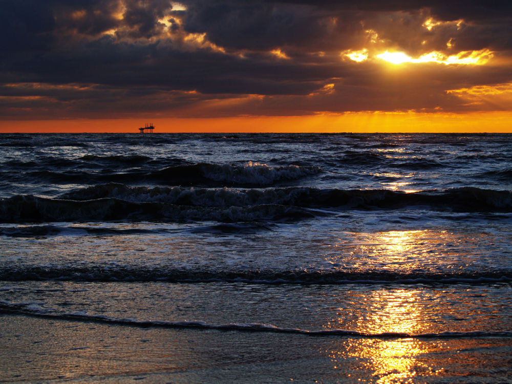 Southport Sunset by fiftythreenorth