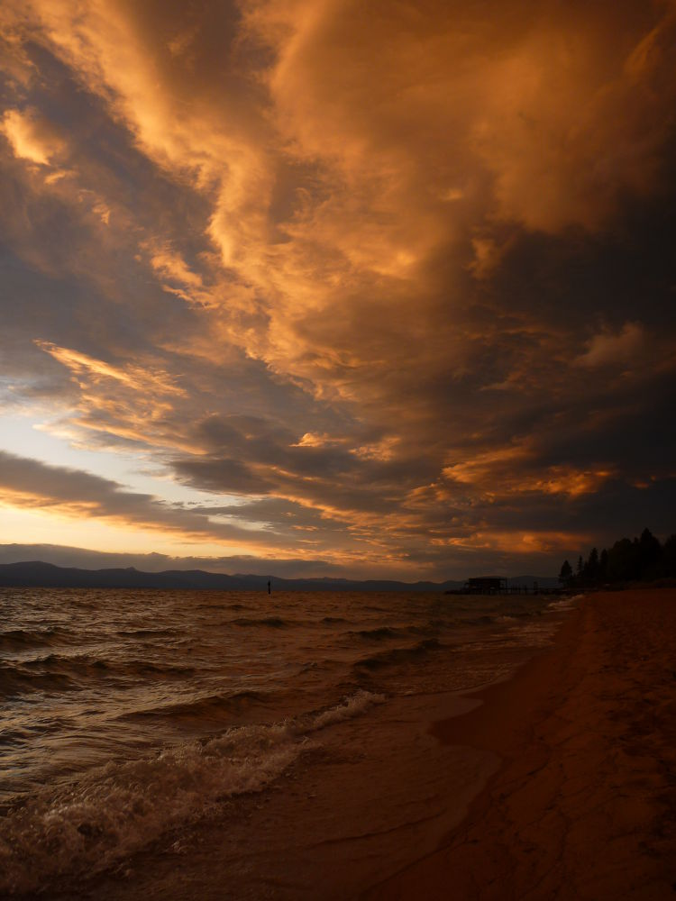 Lake Tahoe Sunset by fiftythreenorth