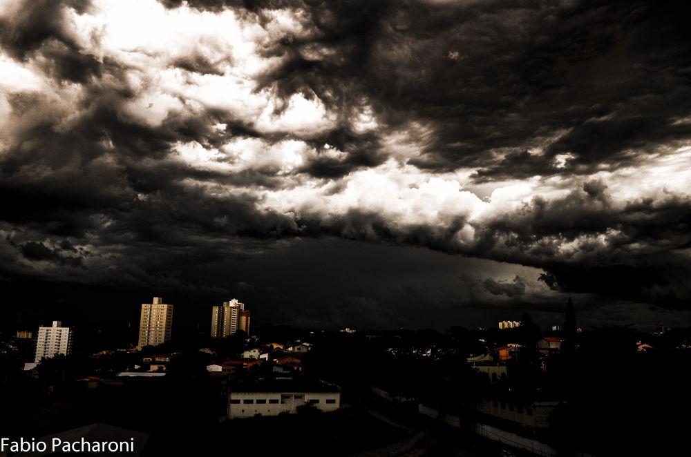 Tempestade em São Jose dos Campos by FABIOPACHARONI