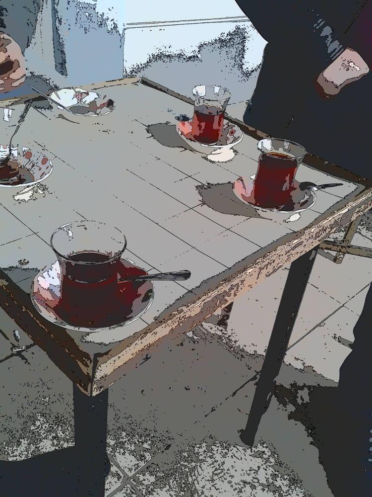bardak ve çay by Turgut