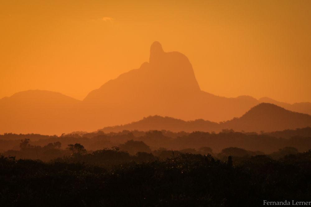 Pico do Frade by Fernanda Lerner
