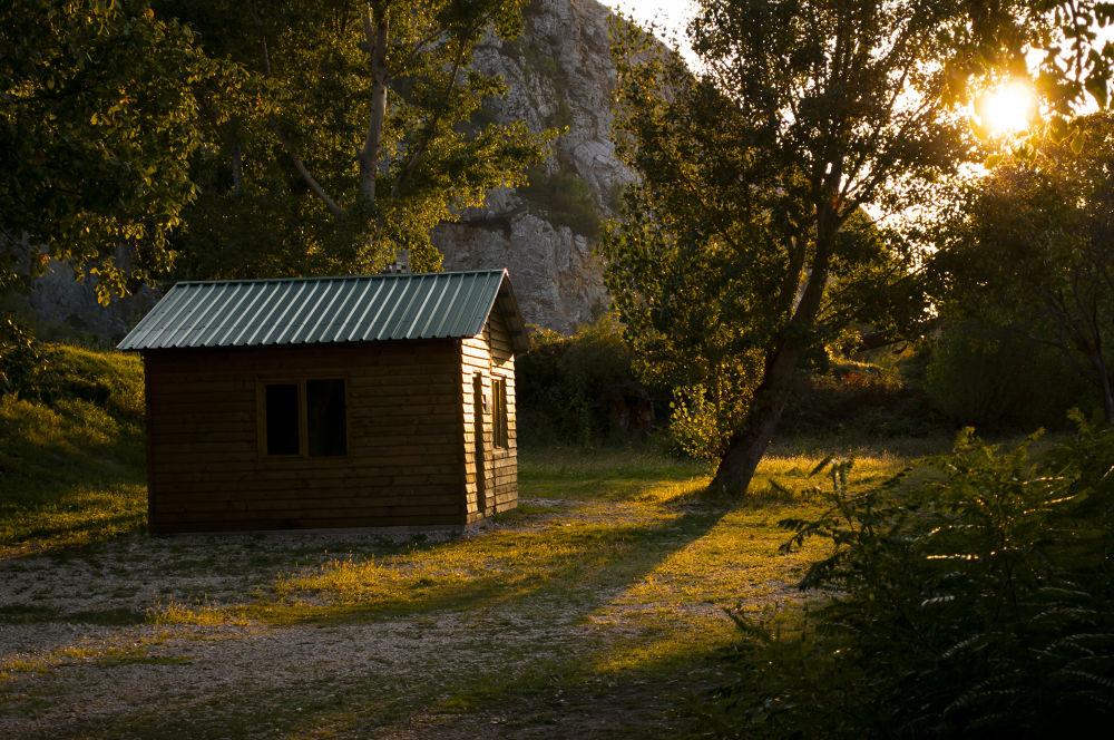Dreamy Cottage by Igor Dumitraskovic