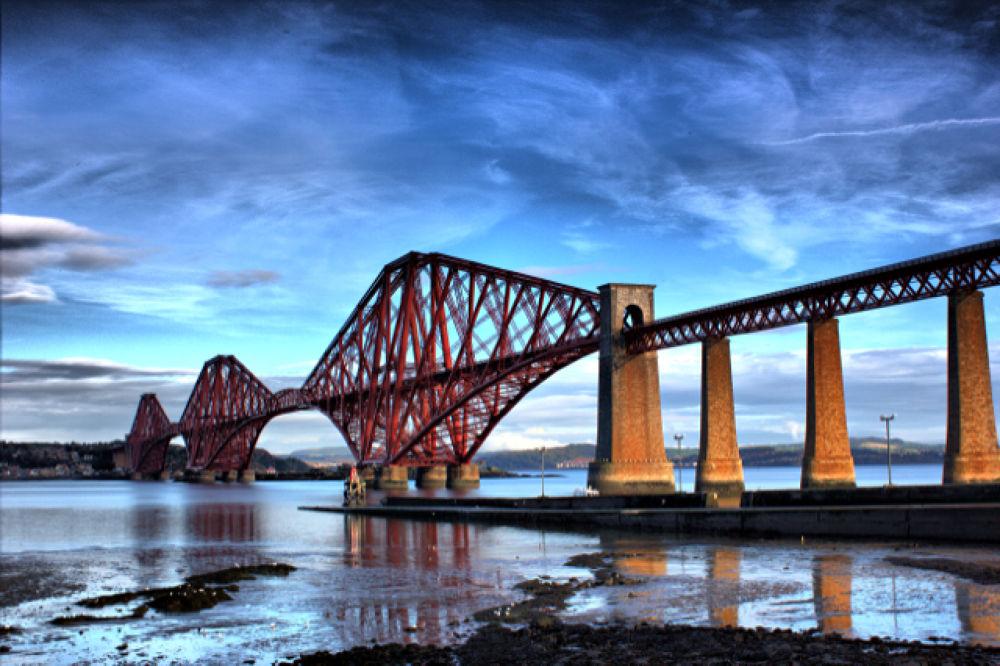 Forth Rail Bridge 2 by Ian MacLennan