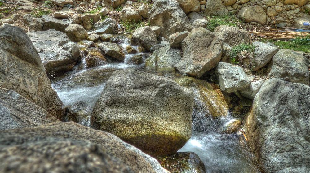 Waterfall Rocks by Yazoń