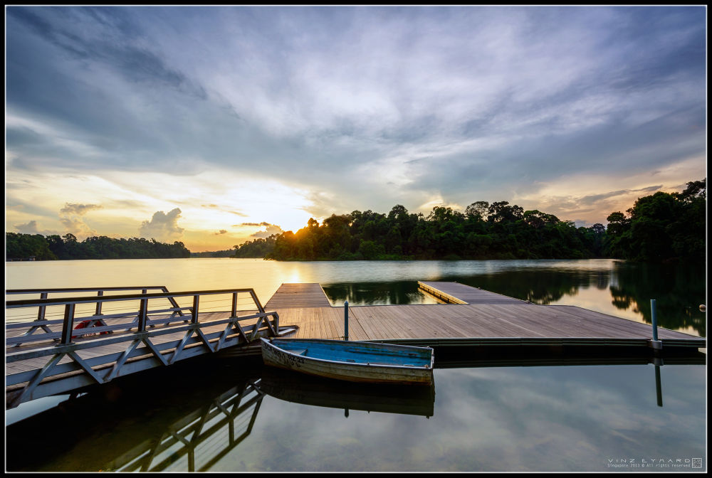 Sundown by Vinz Eymard