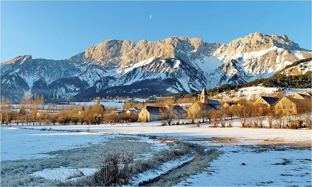 """Village de """" Le Noyer """" ( 1125m ) en hiver. by BernardSerge"""