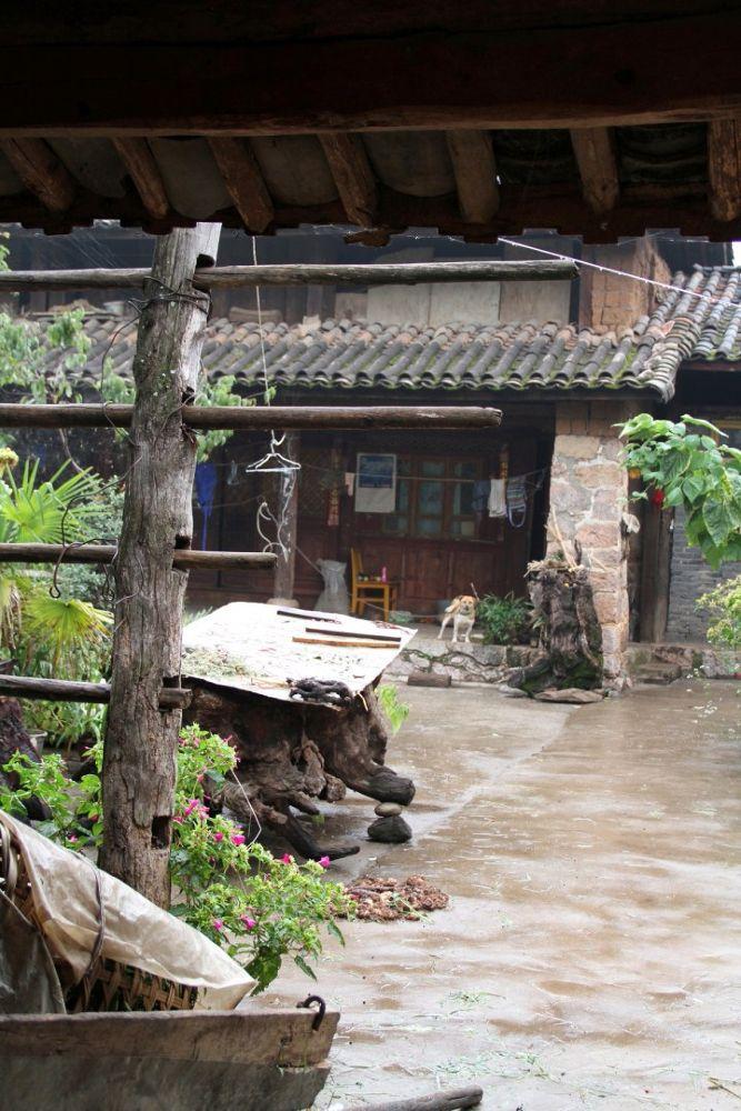 Yunnan-Shuhe-Old-Town-104 by Arie Boevé