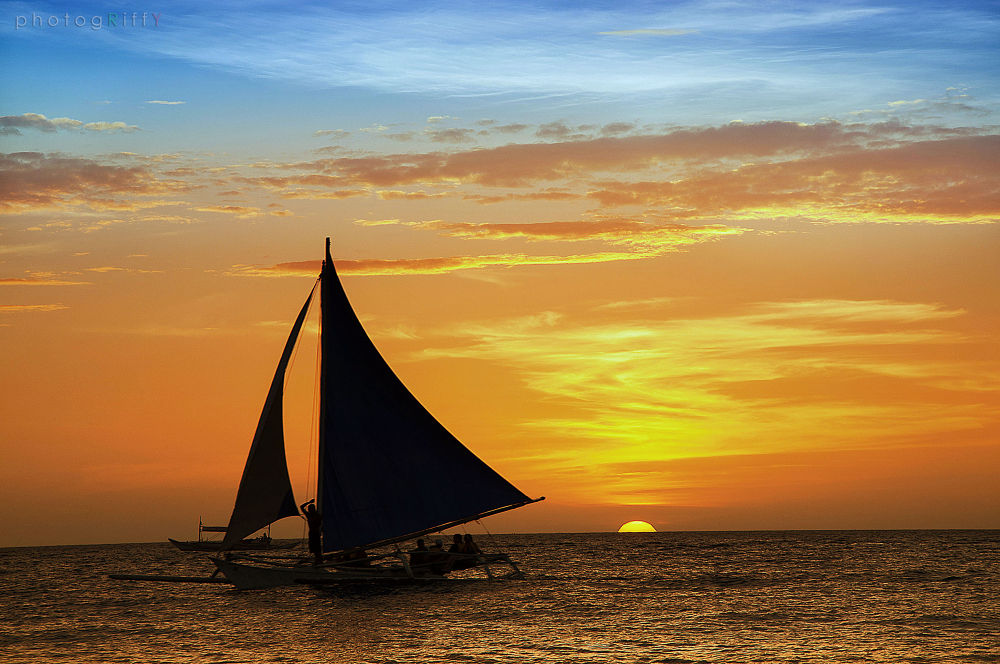 Boracay Sunset by Riffy Ladera