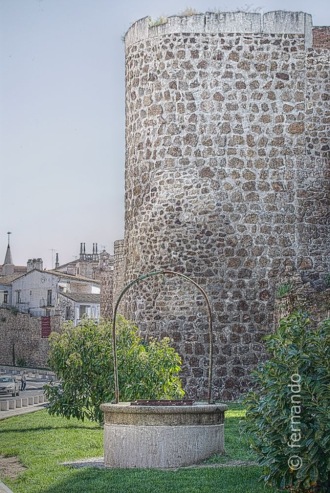 Muralla & Pozo by fgred