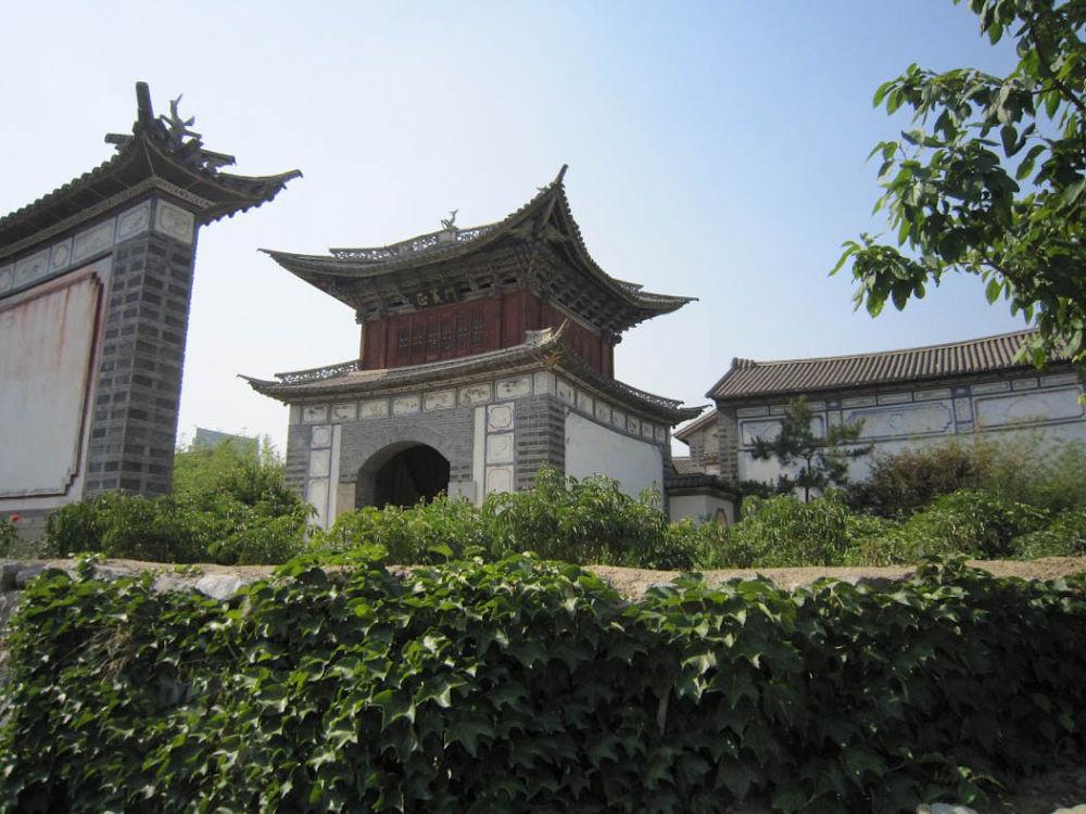 Beijing_Ethnic_Culture_Park-160 by Arie Boevé