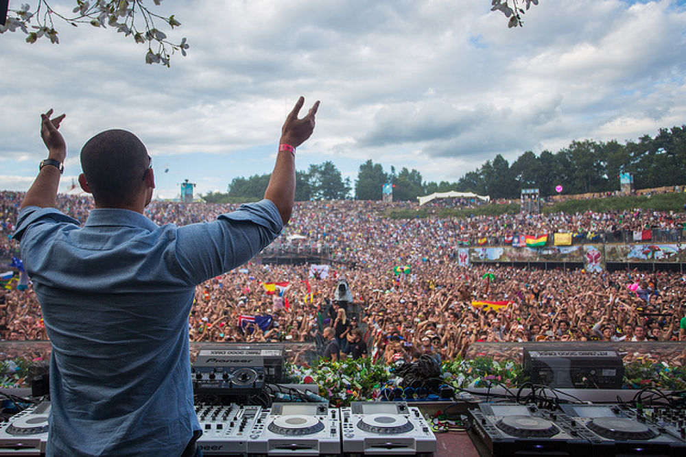 TOMORROWLAND♥ by Uriel Ricardo Arauz Gorostieta