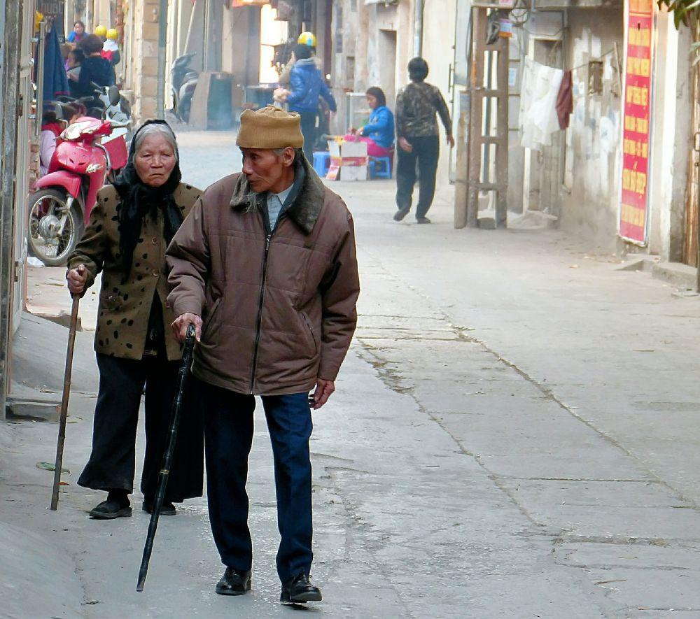 Hanoi . A leisurely walk by marcosarli