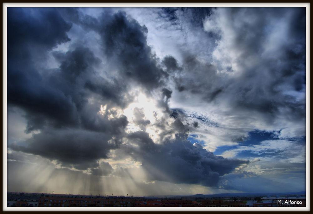 Cielo en Badajoz by Manuel Alfonso González