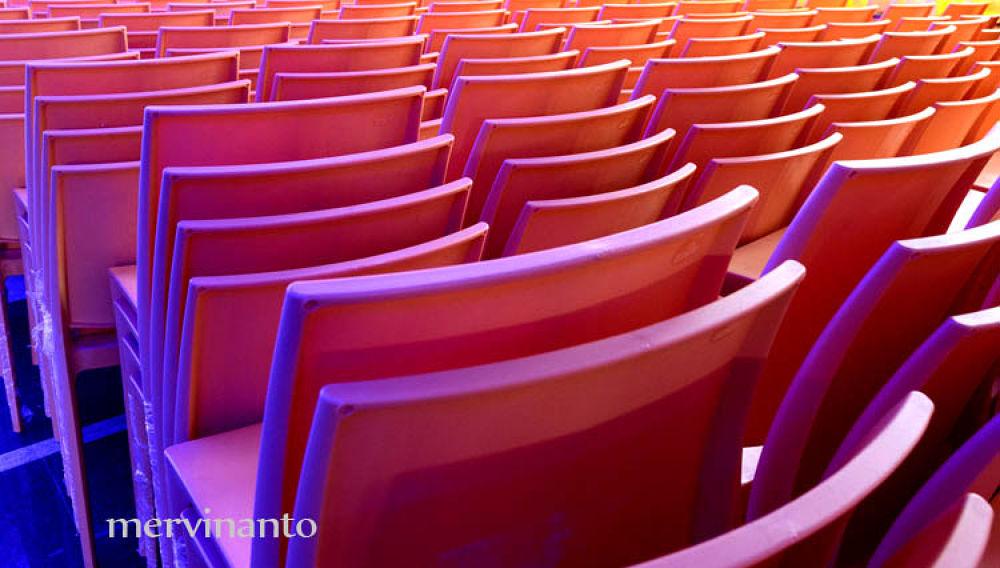 pink row by mervinantov