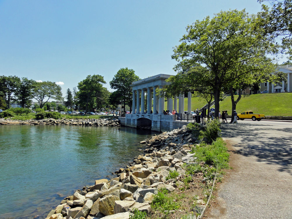 Plymouth Rock Structure by lauspics