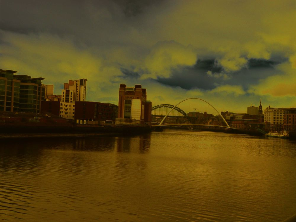 On the Tyne today by Darren