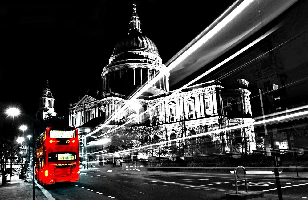 London-bus by DjDiaas