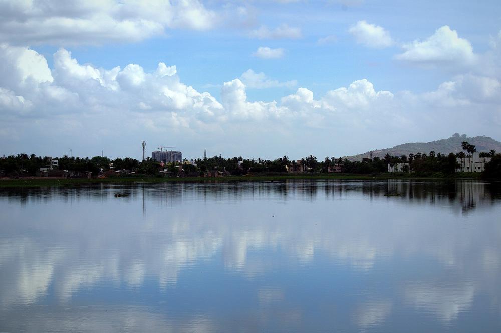 Hasthinapuram lake. (Chennai, India) by Saravana Kumar