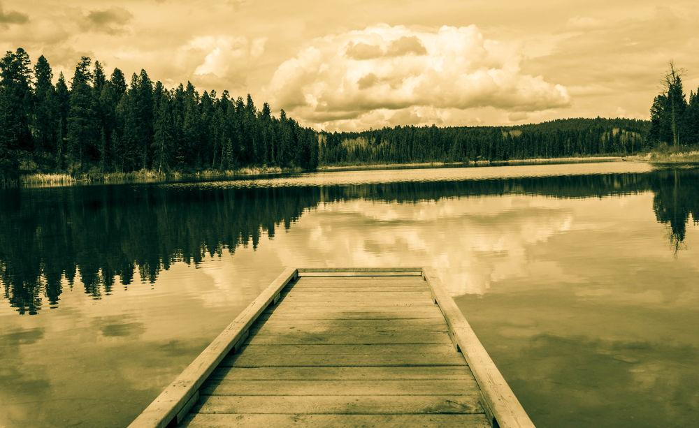 Lake Lillian by Ang Klassen