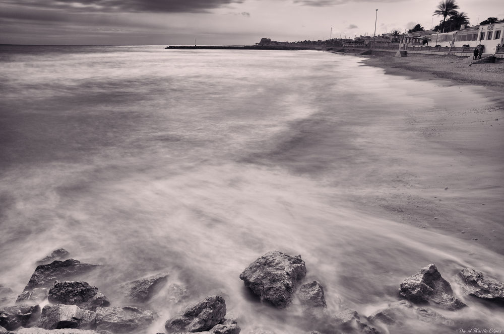 Sitges beach by davidmartinlopez