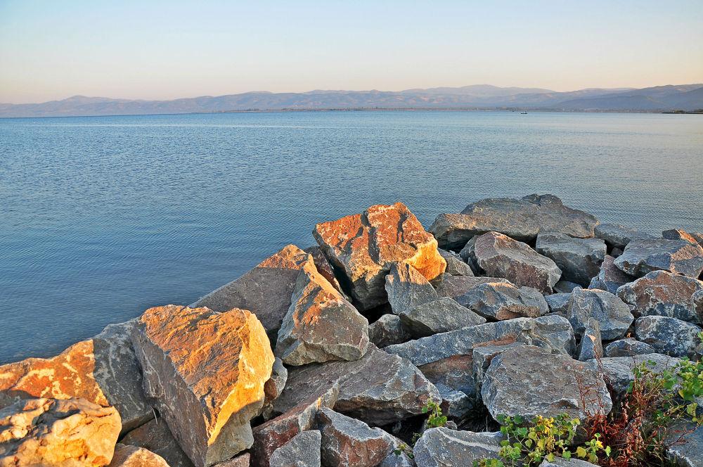 İznik Lake by fatmagokmen64