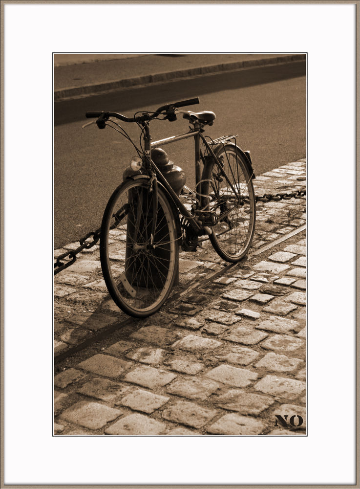 sepia by Philippe Caumont