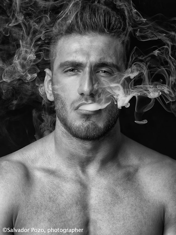 Smoking by Salvador Pozo