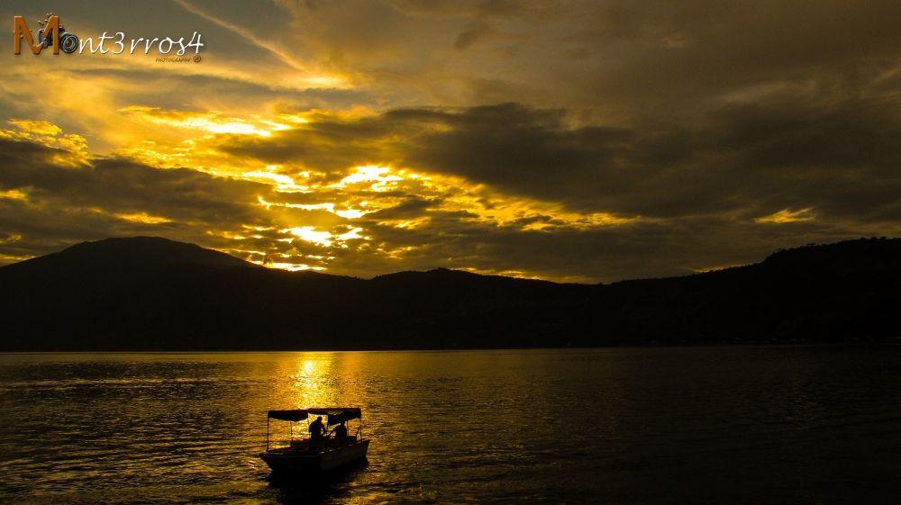 Lago de coatepeque (1 de 1) by mont3rros4