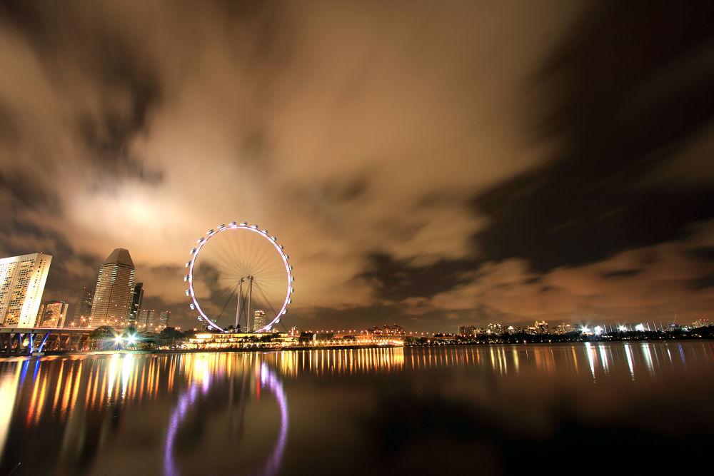 Singapore Ferris Wheel by RickyLiew