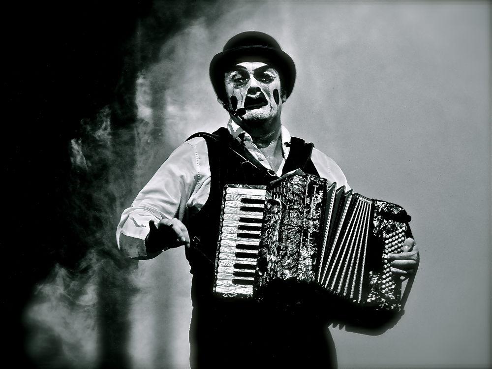 freak show  by dimifws