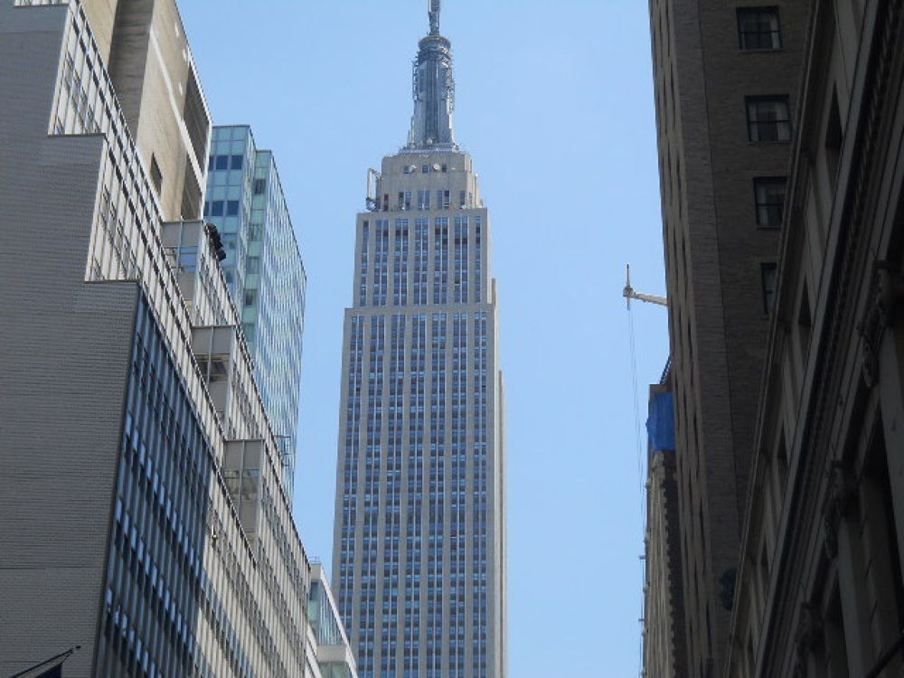 Empire State Building by mark12