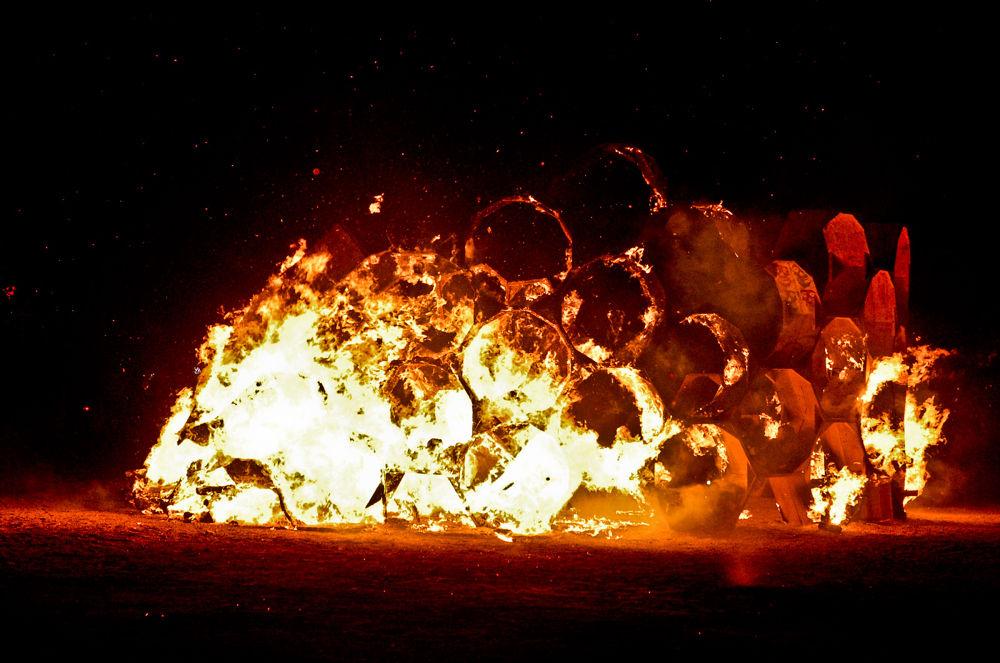 Event_Burning_Man_Honey-Trap by MaxBolotov