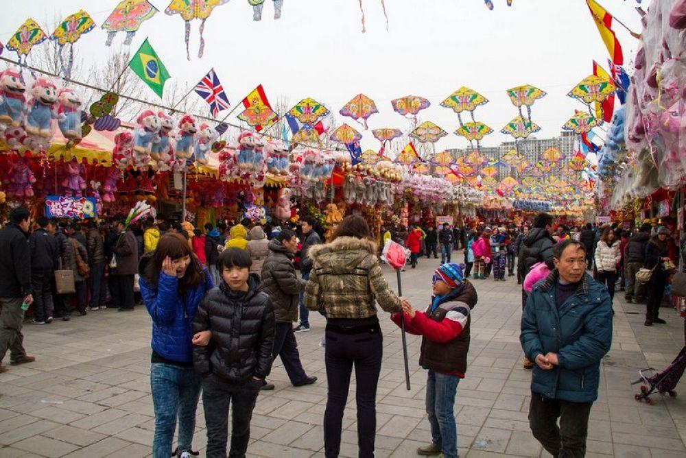 Spring_Festival_Chaoyang_Park-130 by Arie Boevé