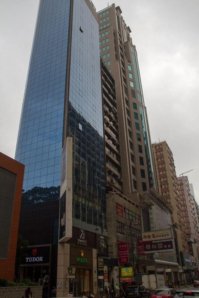 Tsim Sha Tsui - Hong Kong-101 by Arie Boevé