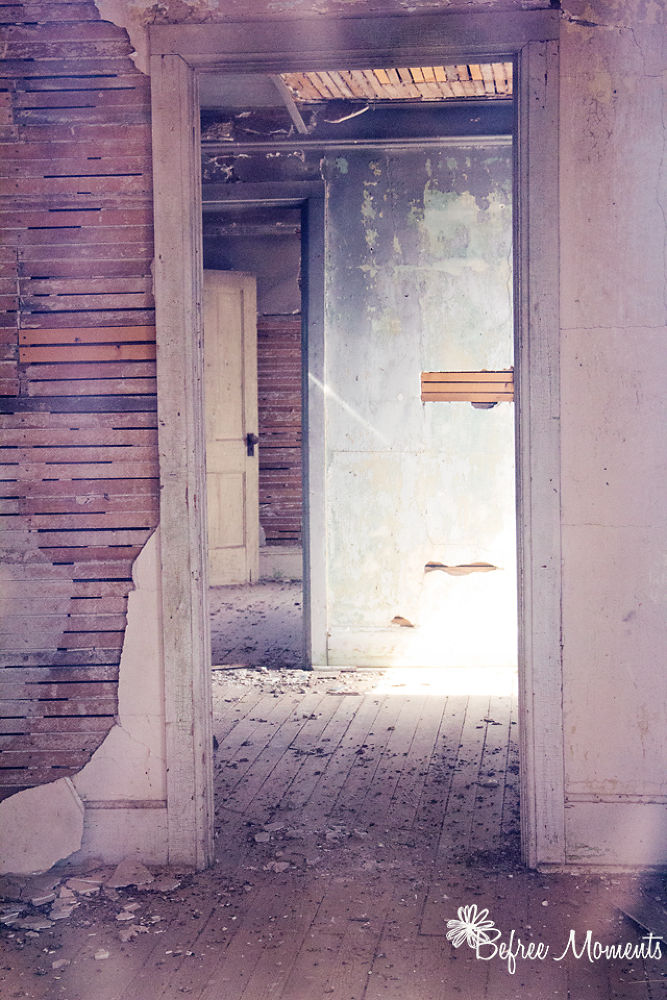 Abandoned home by befreemoments