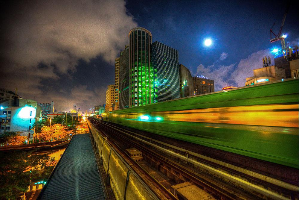 BTS Station Phaya Thai by Zeno Bresson