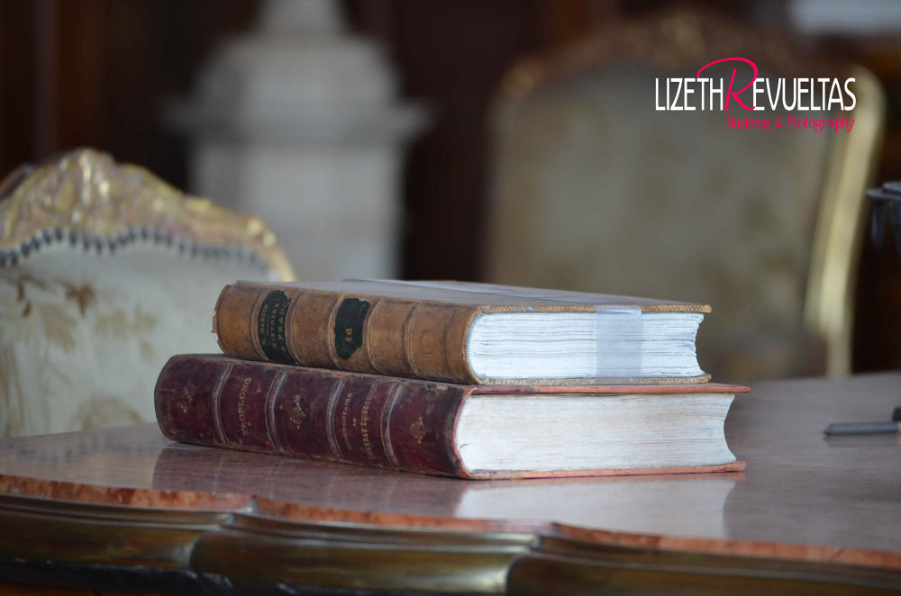old books by moza100