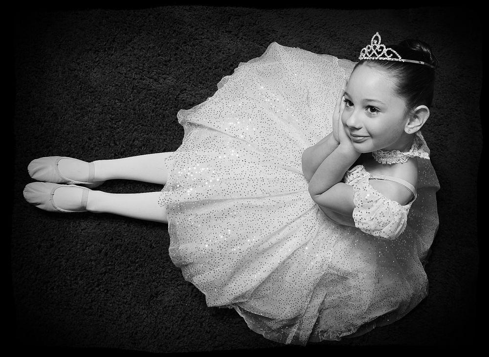 emma ballerina 054j by Linda Ruiz