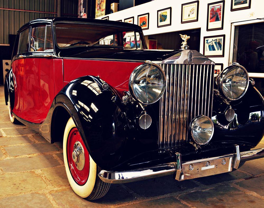 Rolls Royce  1957 by Subal Soral