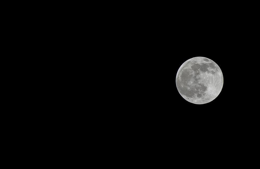 full moon by photogeni