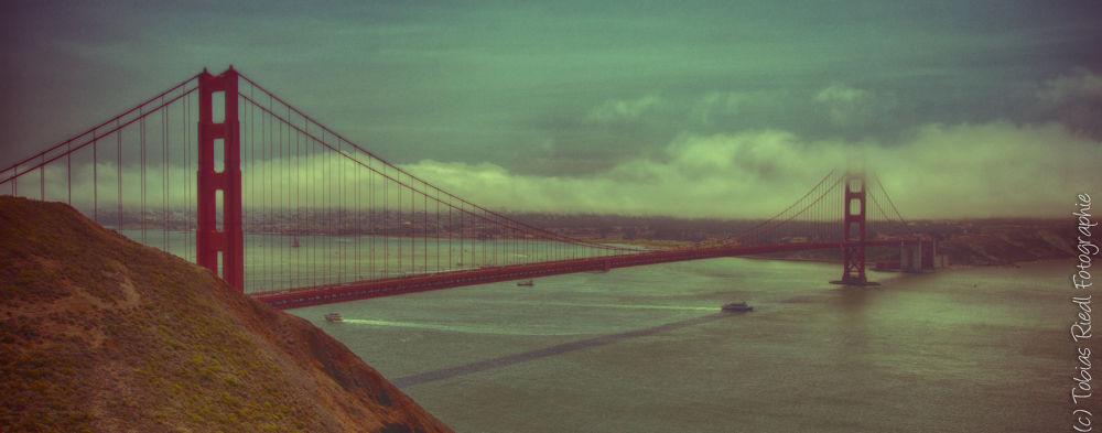 Golden Gate Bridge by Tobias Riedl