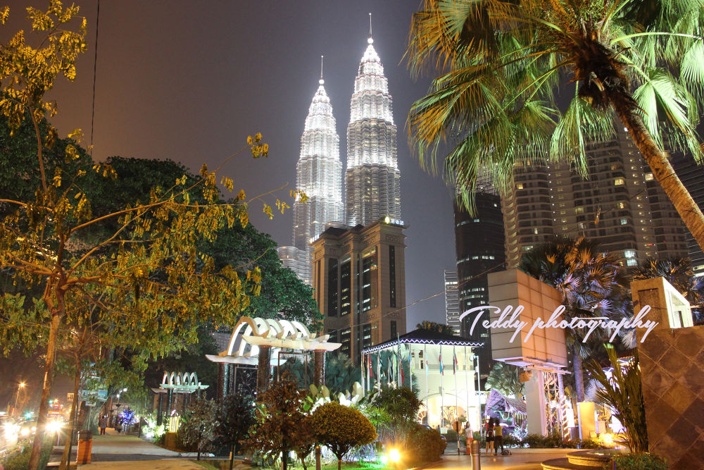 Petronas Twin Towers by TeddyMock 'Tandi'