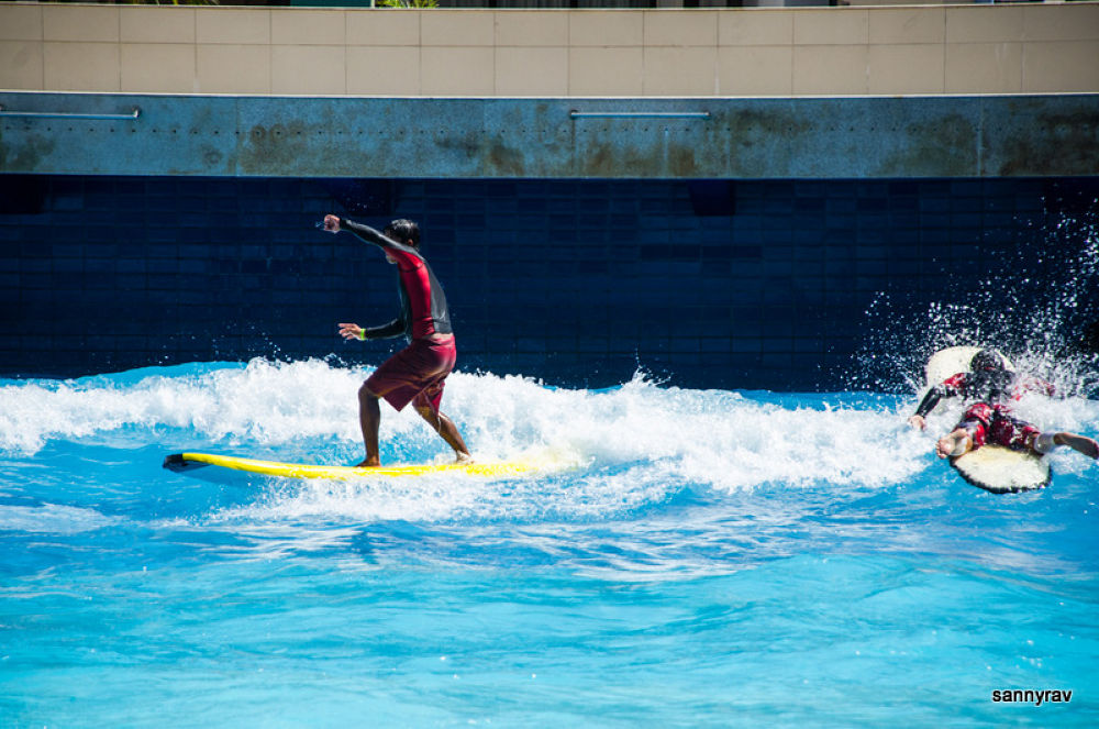 surfing by sannyrav