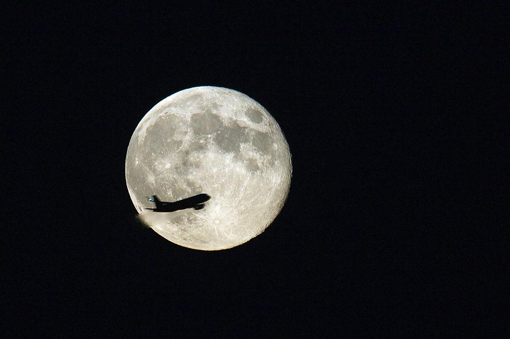 Luna de Agosto  by A.Navarro