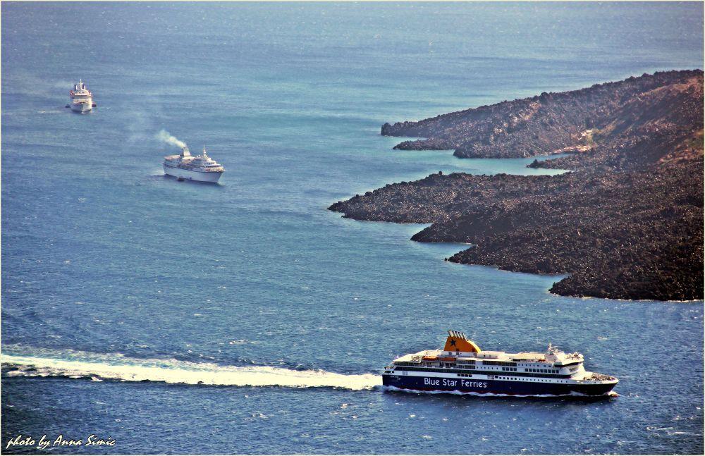 Santorini by Anna Simic